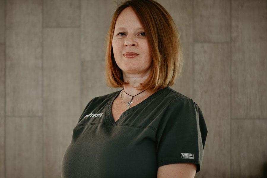Tandi Sampson, Veterinary Assistant